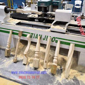 Sửa Chữa Máy Tiện CNC Chân Bàn Ghế